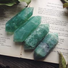 Look at these beautiful new fluorite points! They are spectacular in person and glow when you put them up to light <3