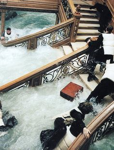 A gallery of Titanic publicity stills and other photos. Featuring Kate Winslet, Leonardo DiCaprio, James Cameron, Billy Zane and others. Titanic Rose, Real Titanic, Titanic Wreck, Titanic Movie Facts, Titanic Quotes, Abandoned Ships, King Of The World, Film Aesthetic, Romance Movies