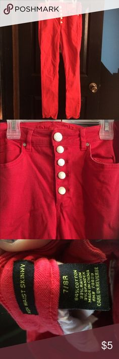 Rue Red Jeans Pair of size 7/8 freedom flex Rue 21 jeans. They are red in color, button up fly, 2 front pockets and 2 back. Gently used with no holes or stains. Rue 21 Pants Skinny