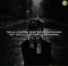 Namun cinta membutuhkan sebaris kata kejujuran. Love Hurts, My Love, Quotes Indonesia, Allah, Me Quotes, Memes, Funny, Life, Inspirational