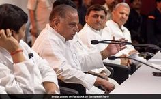 Akhilesh Yadav Expelled By Father Mulayam Singh Yadav, Samajwadi Party Set To Split