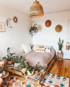 via Dreamy room inspo by Do you like it? Boho Room, Room Ideas Bedroom, Bedroom Inspo, Urban Bedroom, Master Bedroom, Bedroom Inspiration, Kids Bedroom, Aesthetic Room Decor, New Room