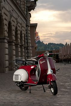 Vespa by w3p706, via Flickr