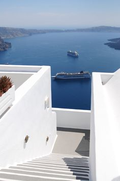 Bunch of cruise ships comes for one day trip in Santorini.