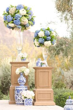 Blue and White Wedding + Chinoiserie Details A blue and white wedding touting Chinoiserie details that is simply jaw dropping with Amy and Jordan Photography capturing every glorious moment. Blue White Weddings, Blue Wedding Dresses, Wedding Bouquets, Dress Wedding, Yellow Wedding, Floral Bouquets, Floral Wedding Decorations, Ceremony Decorations, Blue Hydrangea Wedding