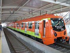 Para viajar por la ciudad, necesitaremos usar el Metro. Los trenes del metro son anaranjados, y para ir rápidamente a lugares en la ciudad, vamos a usarlo. Pagaremos cinco pesos cada persona, y podremos entrar el tren. Veremos mucha gente, porque es el segundo metro más grande en Norteamérica. Mucha la gente usan el metro para llegar a tiempo. Espero oír conversaciones de personas mexicanas, porque necesito practicar mis habilidades españolas.