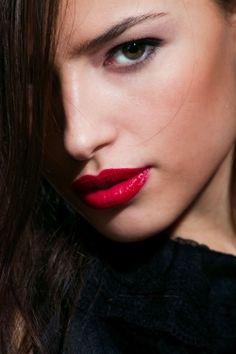 Neoservis, prodejce kosmetiky, kadeřnických potřeb a realit