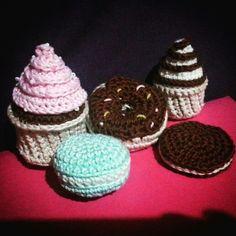 Cupcake sweet amigurumi, dolci uncinetto, donut maccaron