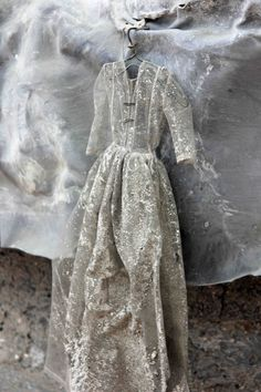 anselm kiefer dresses - Google Search Anselm Kiefer, Art Et Nature, Mums The Word, Mixed Media Sculpture, Matte Painting, Change Is Good, Art Tips, Costume Design, Mixed Media Art