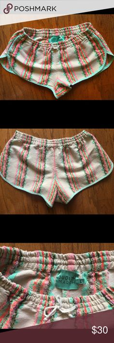 Judith March Shorts size L Judith March Aztec design tapestry shorts. Judith March Shorts
