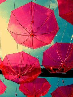 rosige und durchsichtige Regenschirmen Deko