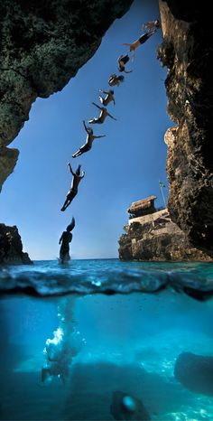 Cliff diving, Rick's Cafe in Negril Jamaica.