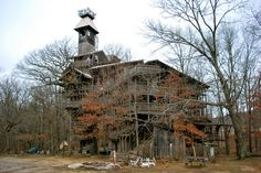 The world's tallest treehouse