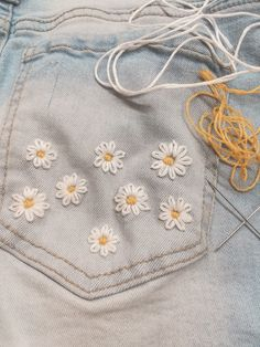 Embroidery On Clothes, Cute Embroidery, Embroidered Clothes, Hand Embroidery Patterns, Embroidery Stitches, Embroidery Techniques, Simple Embroidery Designs, Diy Clothes, Diy Fashion