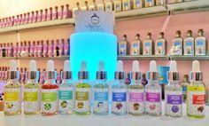 Ya tenemos en tienda física disponible una selección de aromas pensados para tí, que te ofrecerán un olor confortable para su hogar #lacasitadecoco #brumas #aromas #ambientador #electricos #original #nuevo #granada #jueves #noviembre Www.lacasitadecoco.com