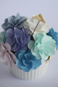 Blue Spring Muffin by Yoshie Kumagai. Paper Flowers