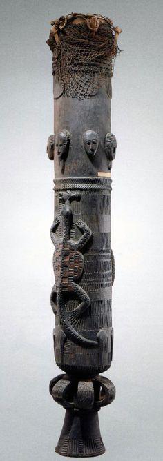 A Baule Drum, Ivory Coast, Wood, Vegetal Fibre, Hide / Skin cm Afrique Art, African Drum, Art Tribal, African Sculptures, African Tribes, African Masks, Ivory Coast, West Africa, Ancient Art