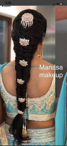 Image may contain: one or more people South Indian Wedding Hairstyles, Indian Hairstyles, Bride Hairstyles, Hairstyle Ideas, Indian Braids, Gold Hair Accessories, Bridal Braids, Hair Decorations, Hair Designs