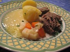 Norwegian meal: beef, potatoes, veggies with an amazing sweet and sour onion sauce.
