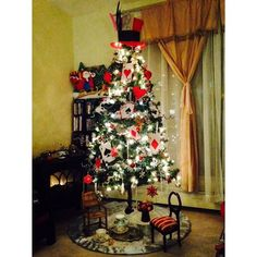 04ded37b6a8 The Epic Disney Christmas Trees That Every Fan Will Obsess Over