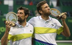 Frenchmen @jimchardy and @fabmartin86 beat #Pospisil/#Stepanek 6-4, 7-6(3) to win the Qatar ExxonMobil Open #doubles title, 2017's first #ATP World Tour crown! 🇫🇷🎉🏆 #tennis #QatarTennis #Chardy #Martin 📸: Getty Images