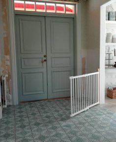 Golv färg dörr