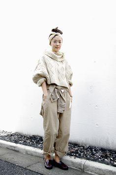 Area1:Omotesando,Tokyo(表参道,東京)  Name:滝口 和代  Occupation:nestRobe press  Knit:Peroto  Shirt:Ralph Lauren  Trousers:Master & Co-  Shoes:LORENS  Scarf:Talonte  Comments:hello!          Tokyo street Fashion Snap Date: 13 Oct 2012