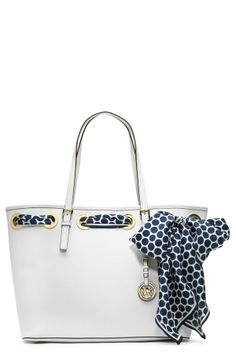 Chic scarf + Gorgeous tote = Perfection Michael Kors