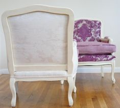 Custom order available - beautiful pair of damask armchairs. Contact me to order yours Country Style Homes, Armchairs, Damask, Accent Chairs, Pairs, Etsy, Furniture, Vintage, Home Decor