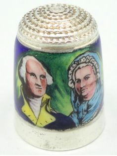 Independence. The 4th of July of 1776. British enamel artist, Peter Swingler. Plata y esmalte. James Swann and Son of Hylton Street, Birmingham, England. Thimble-Dedal-Fingerhut.
