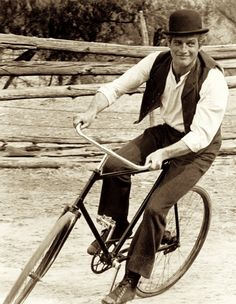 Newman performed his own bicycle tricks after it turned out that his stand-in stuntman for the film could not ride a bike.