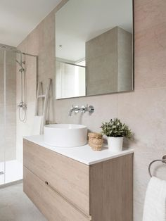 Full house remodel layout 18 Ideas for 2019 Beige Bathroom, Bathroom Colors, Modern Bathroom, Small Bathroom, Bathroom Ideas, Baño Color Beige, Modern Shower, Bathroom Cleaning, Bathroom Interior Design