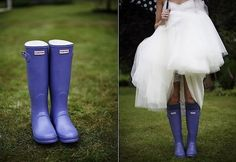 Rain on your big day means luck! Chloe began this theme with beautiful rainy wedding photos, and I'd like to tell you of some practical ideas to handle the rain. First of all, take umbrellas. These pieces are necessary...