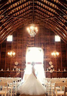 Barn + Beautiful lighting = me in love!!