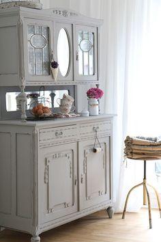 Antiker Küchenschrank, Shabby Chic Schrank, rosa