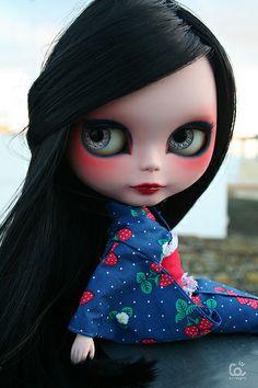 blythe- beautiful kimono and eye make-up