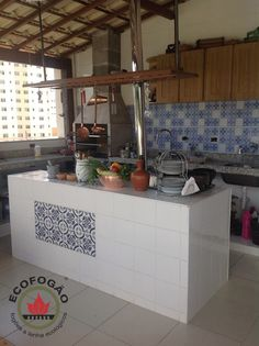 Original site for ecofogao - Brazilian rocket stove. Lots of pictures of installed stoves. Rocket Stoves, Barbacoa, Small House Plans, Traditional Kitchen, My Dream Home, Homesteading, The Originals, Home Decor, Deck