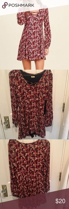 Floral Dress from Hollister Lace up floral dress from Hollister with side zipper. In great condition, only worn a few times Hollister Dresses Long Sleeve