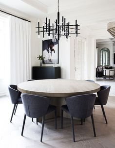 Get inspired by these dining room decor ideas! From dining room furniture ideas, dining room lighting inspirations and the best dining room decor inspirations, you'll find everything here! Dining Room Walls, Dining Room Design, Dining Room Furniture, Dining Room Modern, Living Room, Furniture Ideas, Furniture Stores, Round Dining Room Tables, Fine Dining