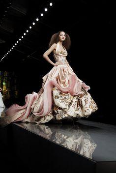 Christian Dior at Couture Spring 2009 - Runway Photos