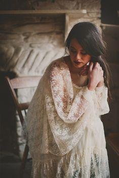 Vintage wedding dress | Photo by Paula O'Hara | 100 Layer Cake