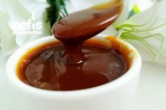 Making a Thick Caramel Sauce - Yummy Recipes - Intense consistency caramel sauce recipe Italian Chicken Dishes, How To Make Caramel, Food Words, Homemade Beauty Products, Beautiful Cakes, Italian Recipes, Italian Foods, Food And Drink, Yummy Food
