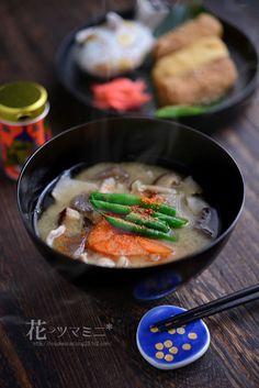 豚汁 - Pork and Vegetable Miso Soup
