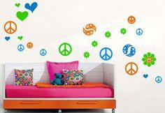Paz y amor para la habitación de las pequeñas de la casa.