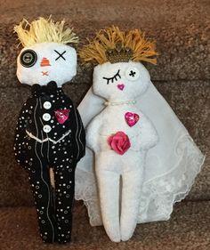 Bride and Groom Dammit Dolls Sock Dolls, Rag Dolls, Fabric Dolls, Sewing Appliques, Applique Patterns, Doll Patterns, Damnit Doll, Craft Projects, Sewing Projects