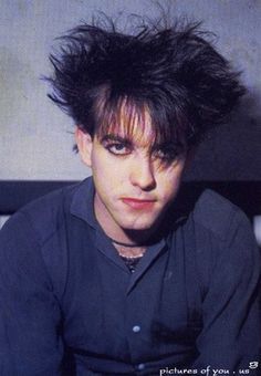 Fan: OMG, Robert Smith. So hot Robert: you damn right, I'm so hot. Girls like me, I'm cute like snoopy. I could be your valentine, but I already got one. <3