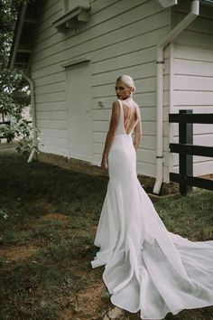 Summer Wedding Dresses Bespoke by Karen Willis Holmes Bridal Karen Willis Holmes, Modest Wedding Dresses, Designer Wedding Dresses, Maxi Dresses, Elegant Dresses, Timeless Wedding Dresses, Pretty Dresses, Summer Dresses, Casual Dresses