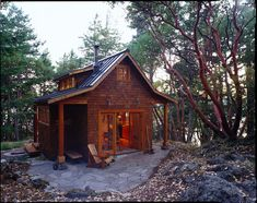 This house, piece of land with trees, I'm all set!