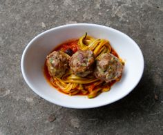 "Fresh, veggie-packed meatballs and sauce with squash ""noodles""-- with TONS of flavor! http://stalkerville.net/"