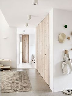 Beautiful-and-Harmonious-Scandinavian-home-in-natural-shades-05